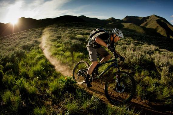 Subir un puerto de montaña en bicicleta