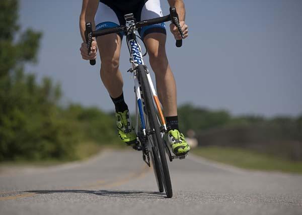 ciclista-pedaleando