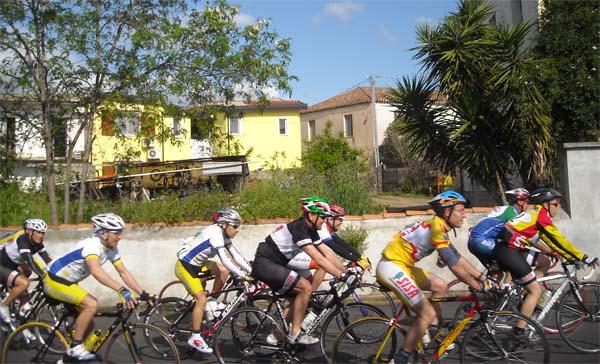 ciclistas-en-ruta