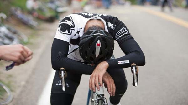 ciclista-desfallecido