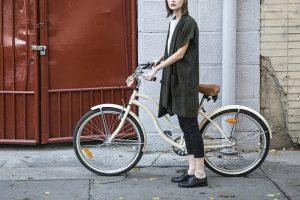 chica-con-bicicleta