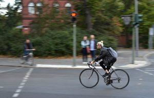 chica-ciclista-30-años
